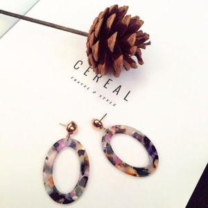 Oval Resin Tortoise Shell Dangle Earrings